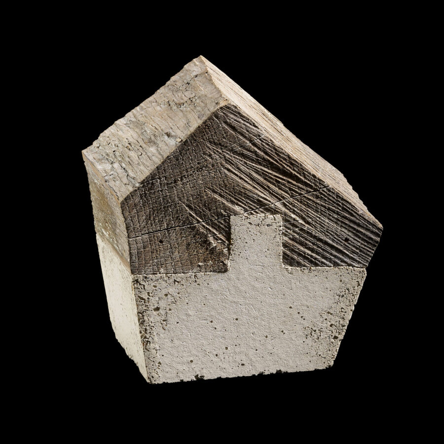 Hans Panschar: Zuhause / Eiche, Beton, Kalk / 12 x 11 x 13 cm / 2020